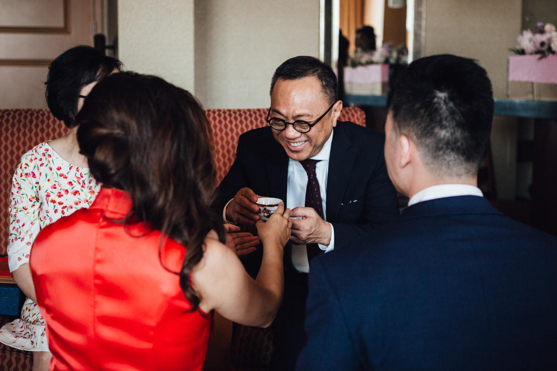 richmond wedding photographer chinese tea ceremony at river rock hotel