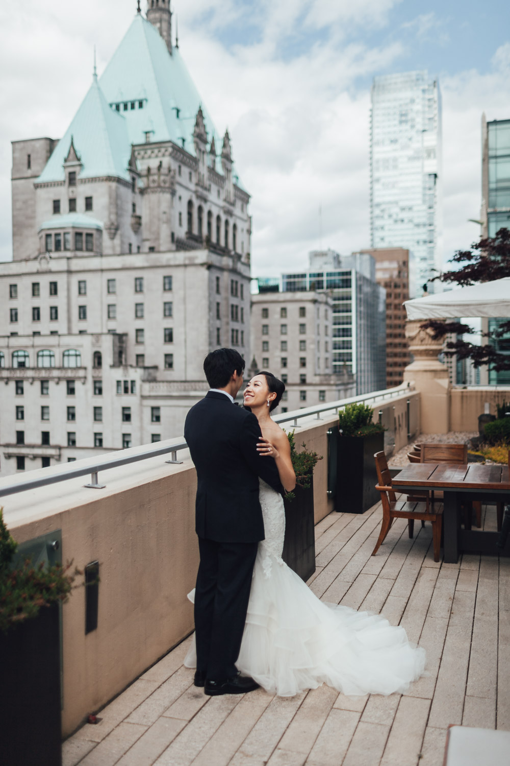 rosewood hotel georgia vancouver wedding photography first look