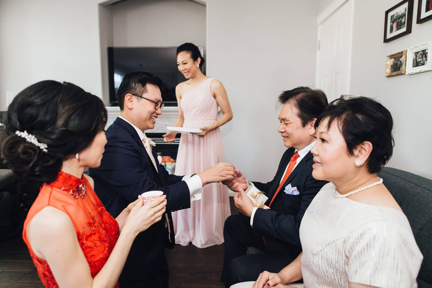 chinese tea ceremony burnaby wedding photography