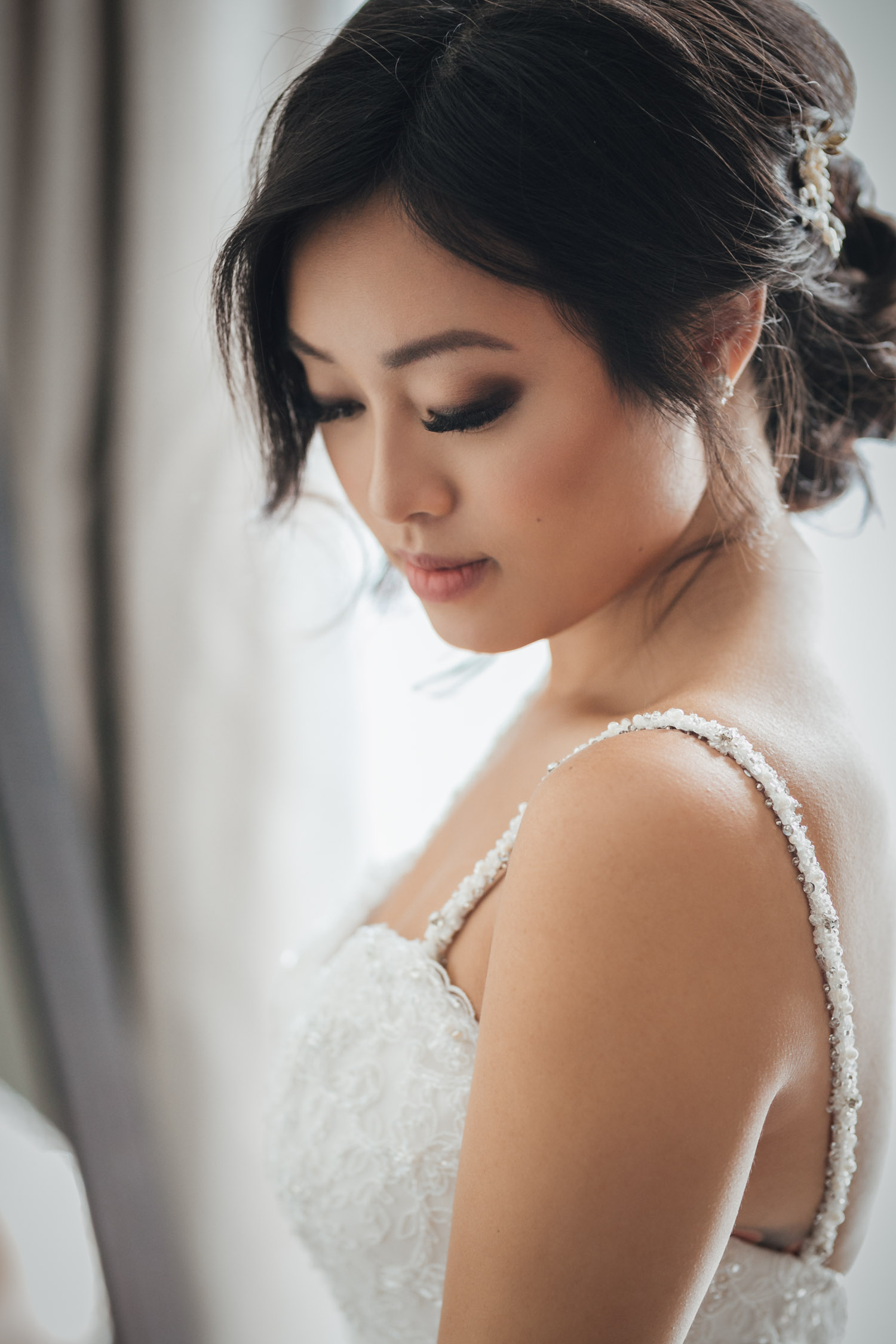bride getting ready rosewood hotel georgia vancouver wedding photography
