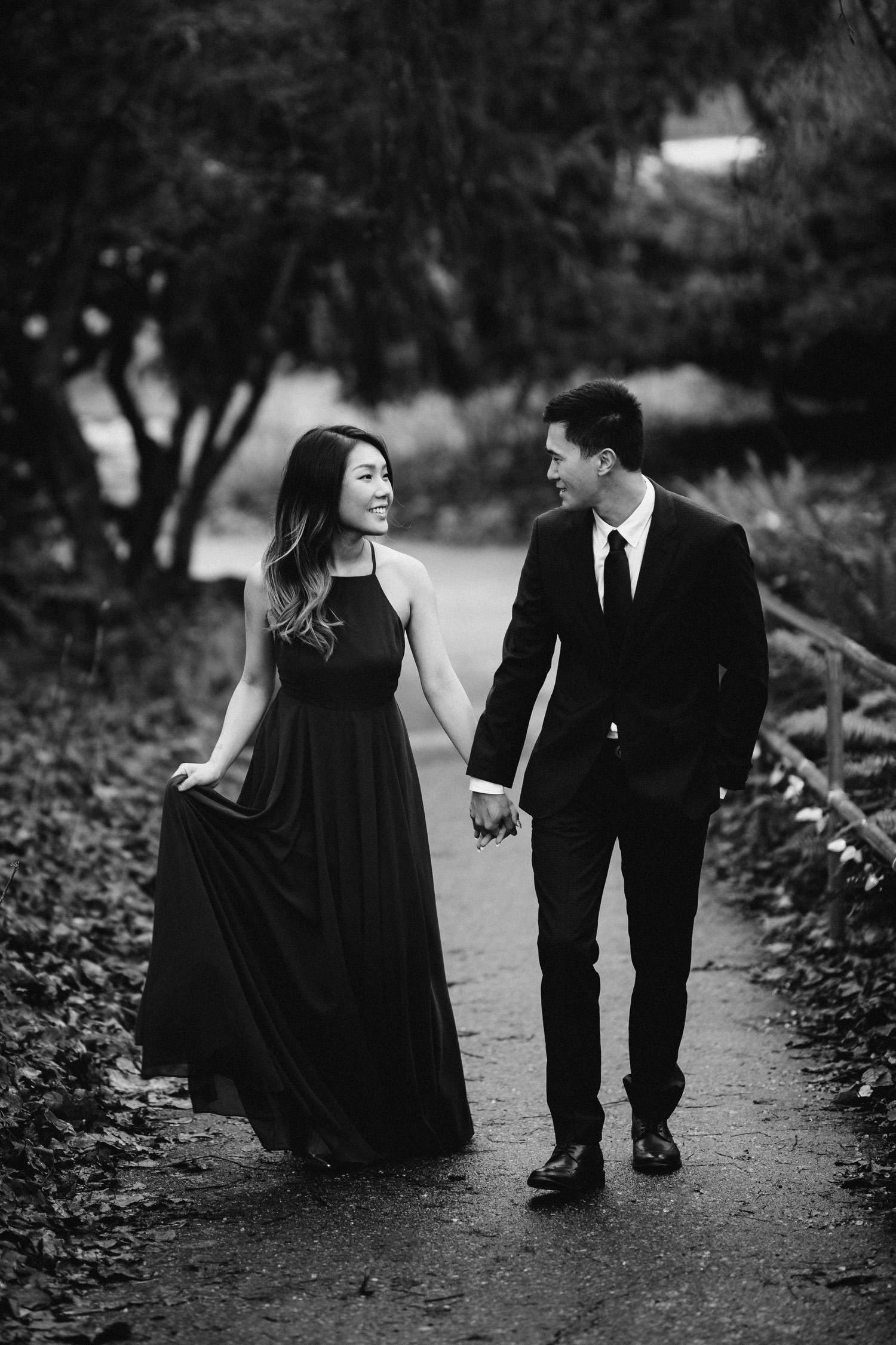 vancouver engagement photographer queen elizabeth park bc