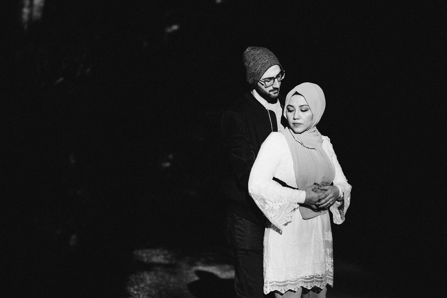 vancouver engagement photography in stanley park during winter