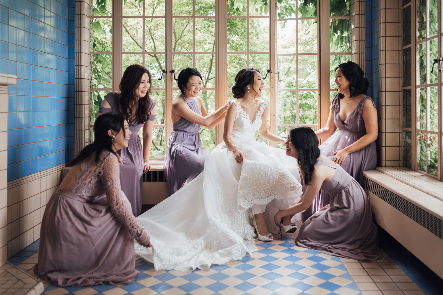 bridal party getting ready at hycroft in vancouver wedding photography