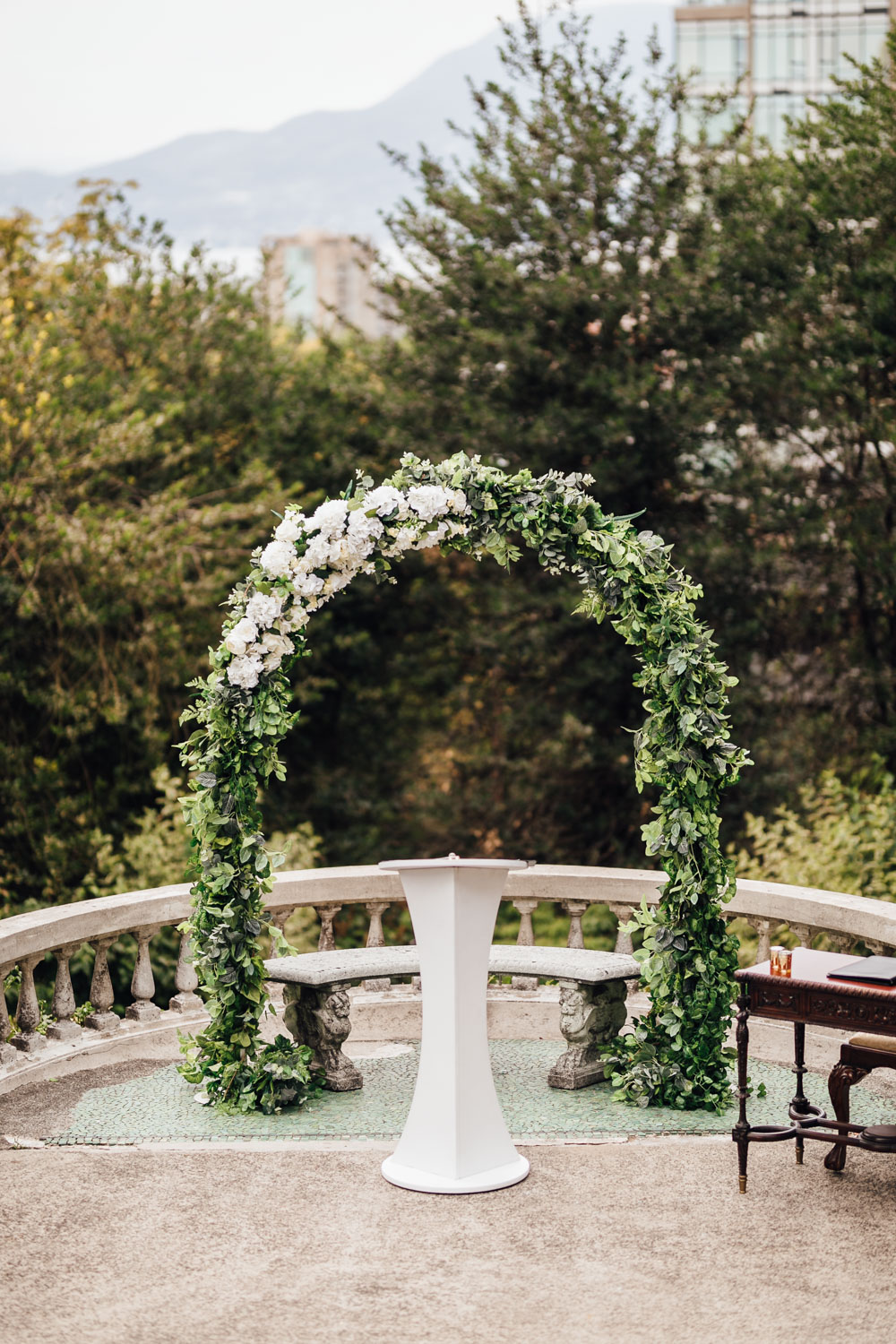 floral alter vancouver wedding photography at hycroft manor