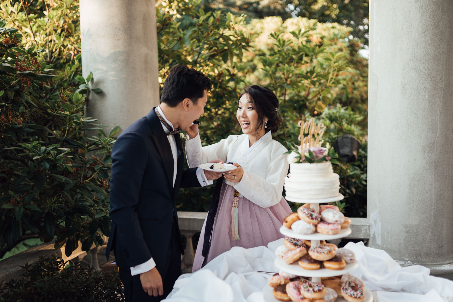 donut cake cutting hycroft manor summer wedding photography vancouver