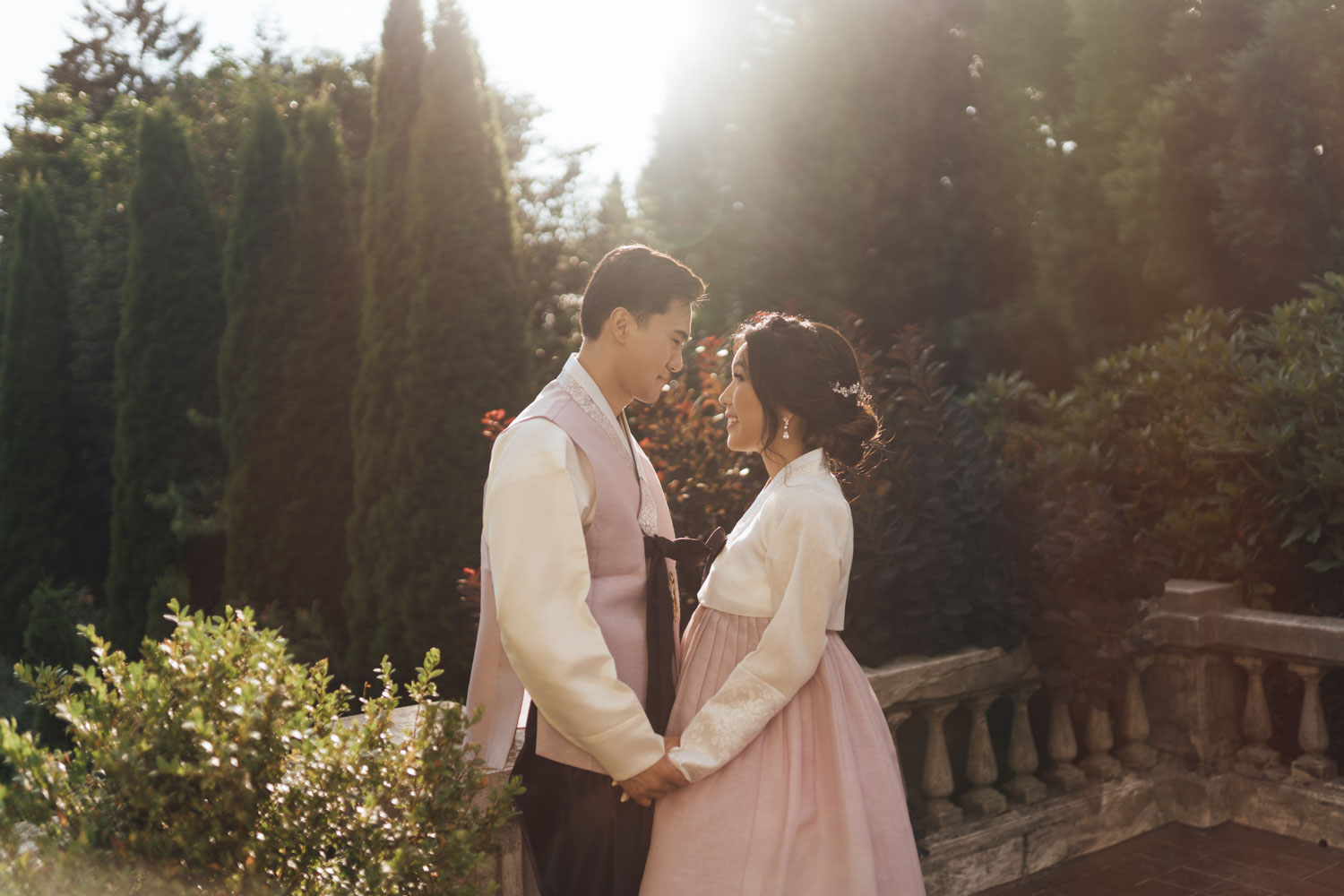 korean vancouver wedding photography at hycroft manor during summer