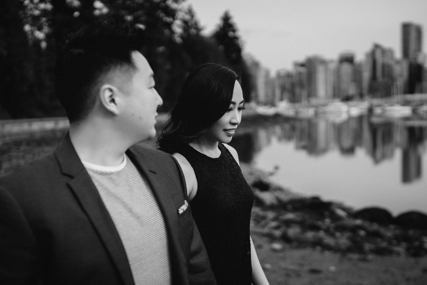 vancouver stanley park engagement photography spring cherry blossoms