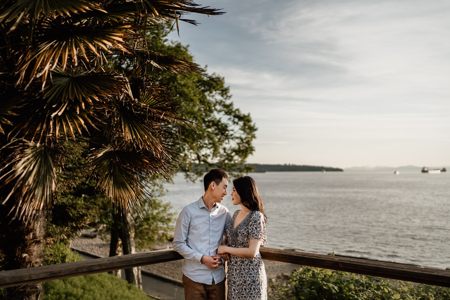 stanley park engagement photography in vancouver bc during sunset or golden hour at third beach