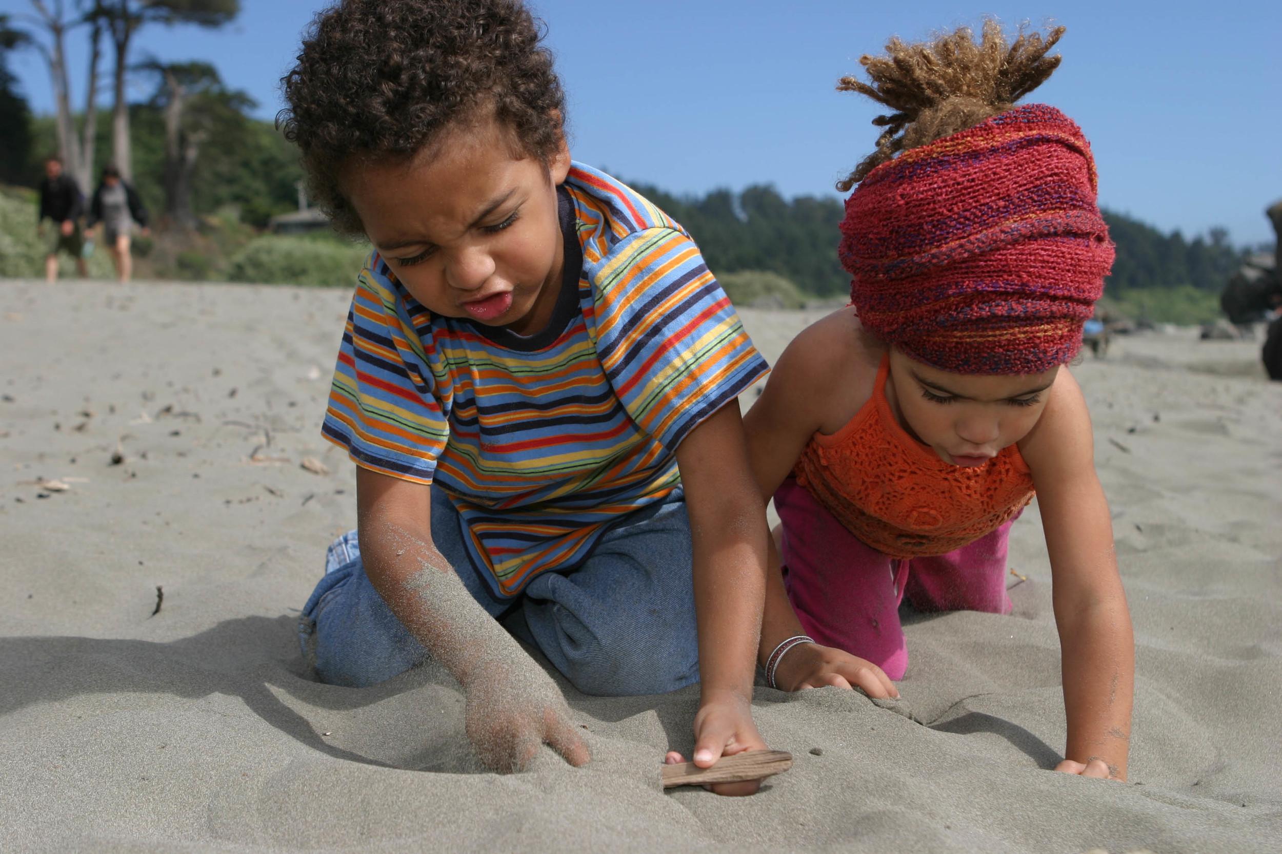 Kai and Kenya at the beach