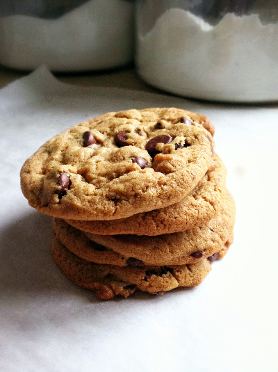 almond butter chocolate chunk cookies | hello, sweetie!