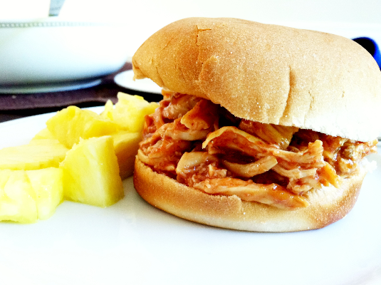 BBQ pulled chicken sandwiches | hello, sweetie!