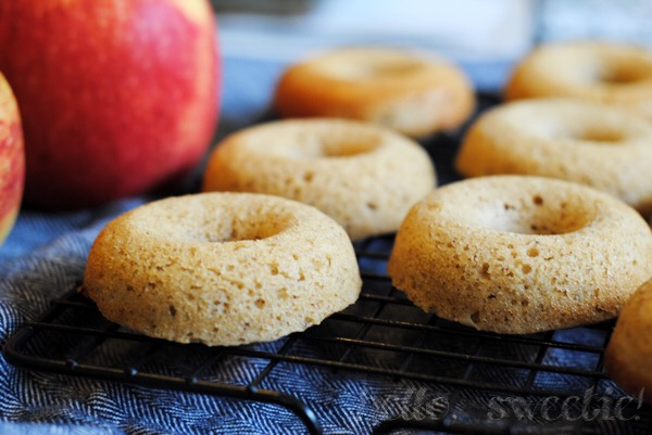 Baked Apple Cider Donuts | cinnamon, clove, nutmeg an cardamom pair perfectly with the sweet cider in these baked donuts