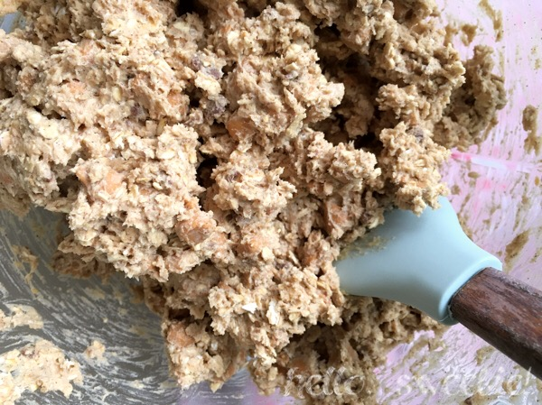 This toffee & butterscotch oatmeal cookie batter is good enough to eat without baking!