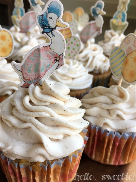 Carrot & Apple Cupcakes: what better place for the charachters of Peter Rabbit to make an appearance?