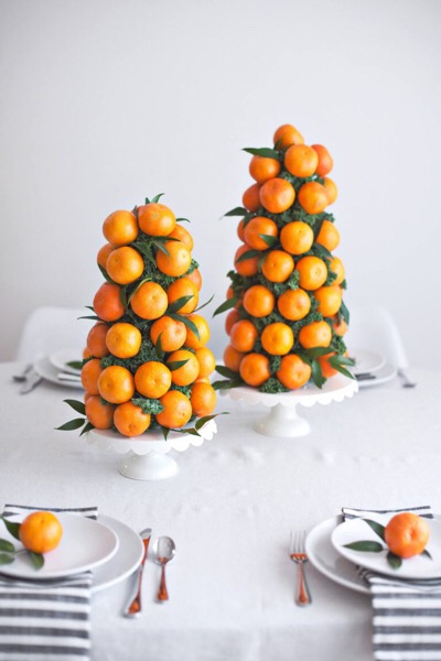 My kids LOVE eating clementines, anytime of day. This is such a fun way to display a healthy snack, plus the scent is bright & cheery! (Image: www.abeautifulmess.com)