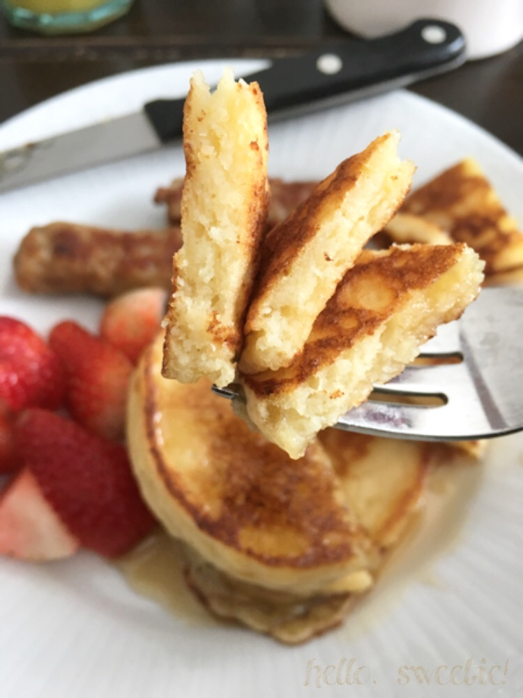 Both fluffy AND creamy, these pancakes owe all their greatness to the ricotta!