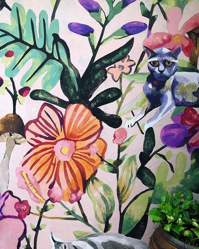 💕 murals. 💕🐈s even more.