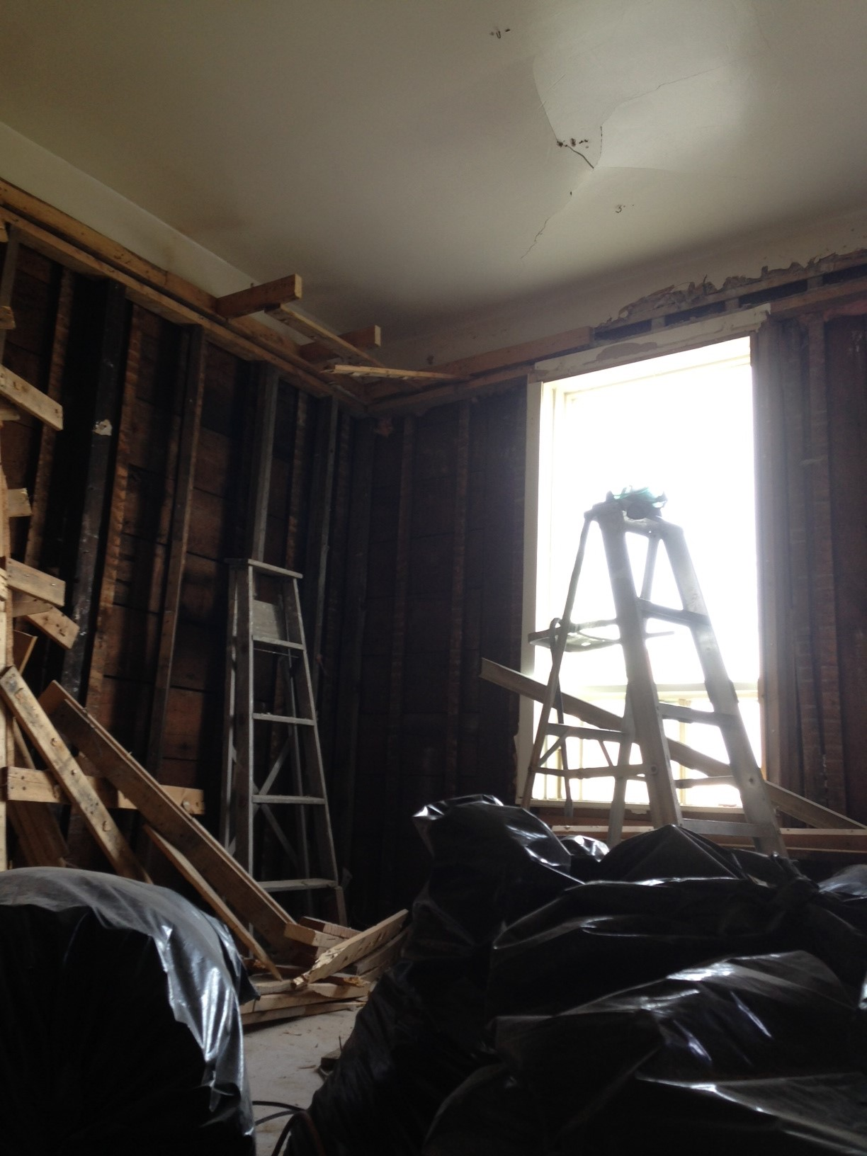 Drywall and lowerd ceiling down in first room