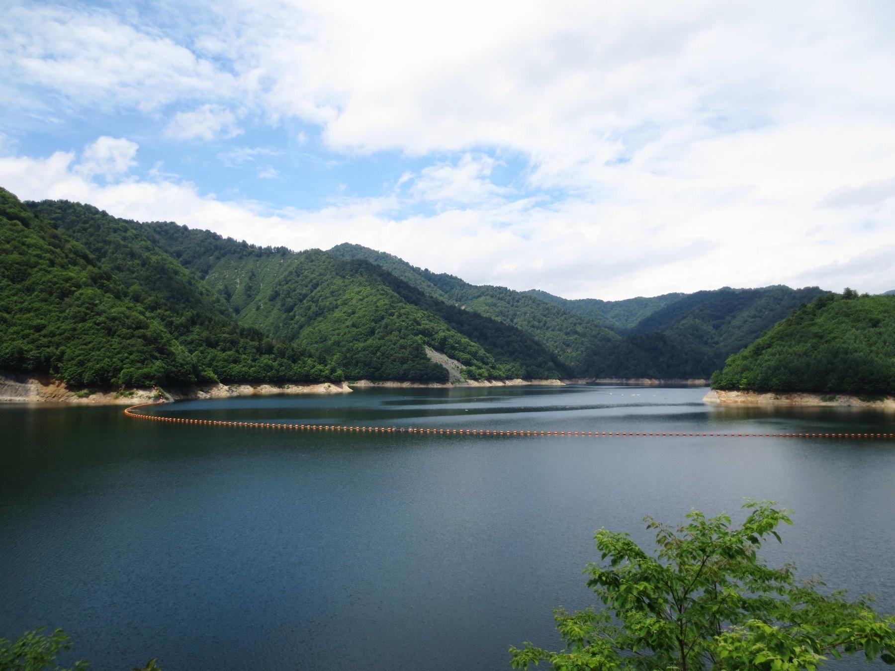 Naramata_Dam_lake.jpg