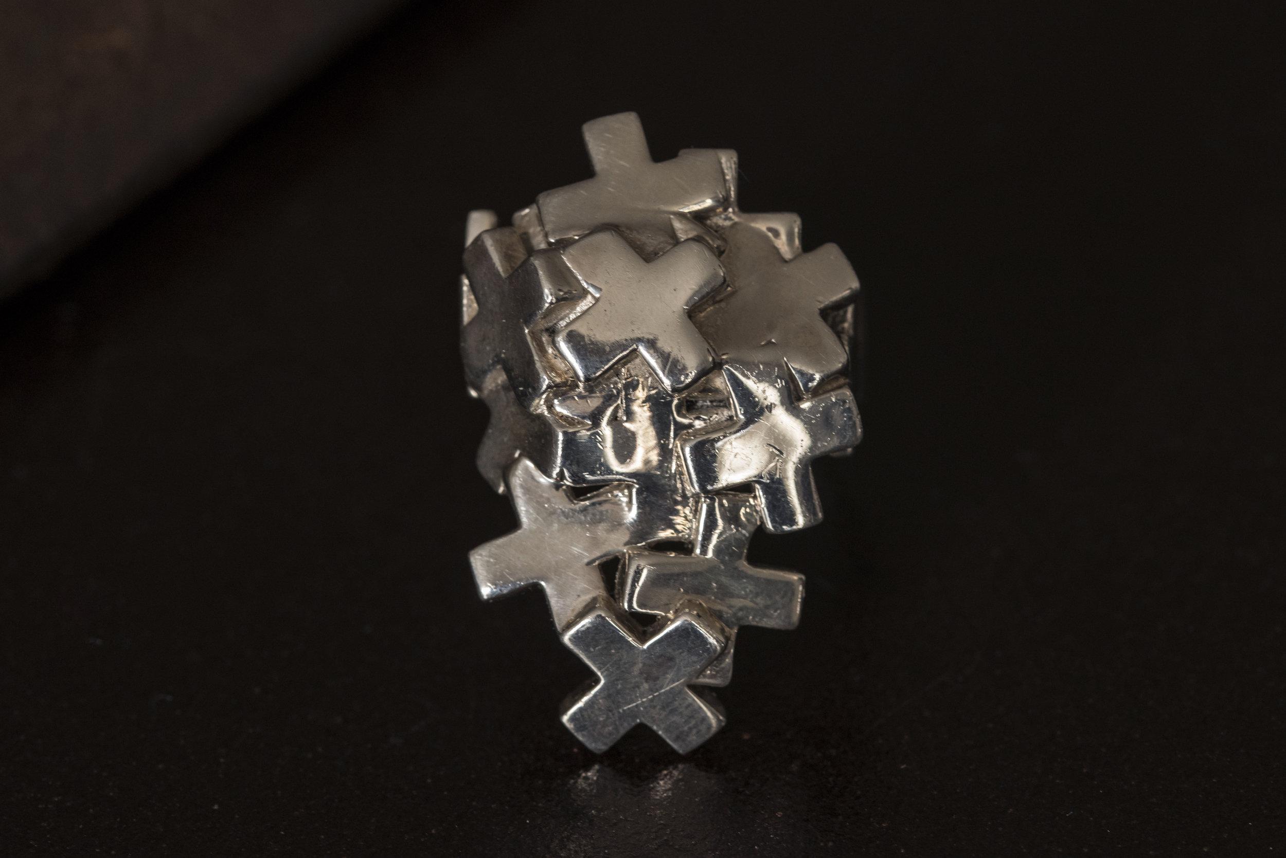 pile of plus ring