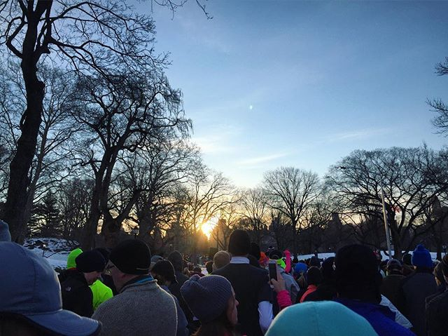 Lining up in Central Park at the race start corrals.  United Half Marathon 2017.  #herdingcattle #sunrise #unitednychalf #halfmarathon #centralpark #nyrr #run #runner #instarunner #running #thingsiseewhilerunning #snow #nyc #pretty #winter