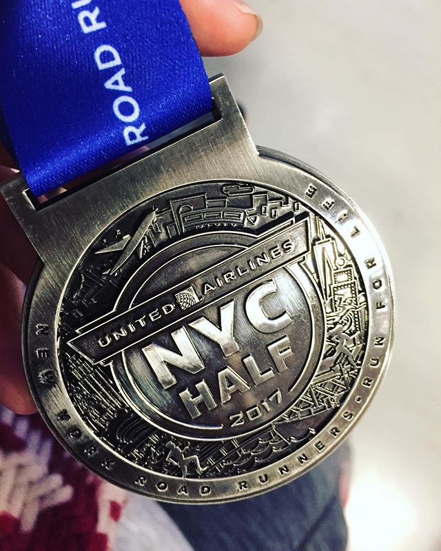 Medal well earned. Ran 2hr7min total. 21 mins faster overall & 1:37 min/mile faster pace than my last half marathon.  Worked harder than ever and surpassing all my expectations today!! United NYC Half Marathon 2017. 🥇🏃🏻♀️💪🏻. #runharder #fastandfurious #breakingpersonalrecords #prday #finisher #unitednychalf #halfmarathon #nyrr #run #runner #instarunner #running #thingsiseewhilerunning #nyc #medal #winter #financialdistrict