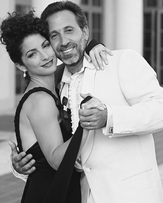 The day I shot these photos of @GloriaEstefan & @EmilioEstefan for @luomovogue Magazine, I knew they were going to reach the stars, and they have with the @GershwinPrize for Popular Song. The Library of Congress Gershwin Prize for Popular Song honored Gloria and Emilio this year. Making it the first time the Gershwin Prize is awarded to a married couple or to musicians-songwriters of Hispanic descent.  #photo #canon #photographer #cubanproud #cubanamerican #ny #miami #repost #alexisrodriguezduarte @mynpg @canon_photography @canon_camera @nmaahc @people  @peopleenespanol @hola_tv @holacom @hola_mx @telecincoes @telemundo @vistarmagazine @oncubamagazine @cubanosguru @univision @gloriaestefan @emilioestefanjr @omerpardillocid  @foxtelecolombia @nbclatino @vanityfairspain @vanityfairmx @celiacruz @celiacruzlegacyproject @guggenheimmuseum  @chiefcurator  @TonneGood @delta @deltaskymag  @townandcountrymag  @BritishVogue @gq @britishgq @harpersbazaarcn @harpersbazaarus @harpersbazaarmx  @camillanickerson @hasselbladculture