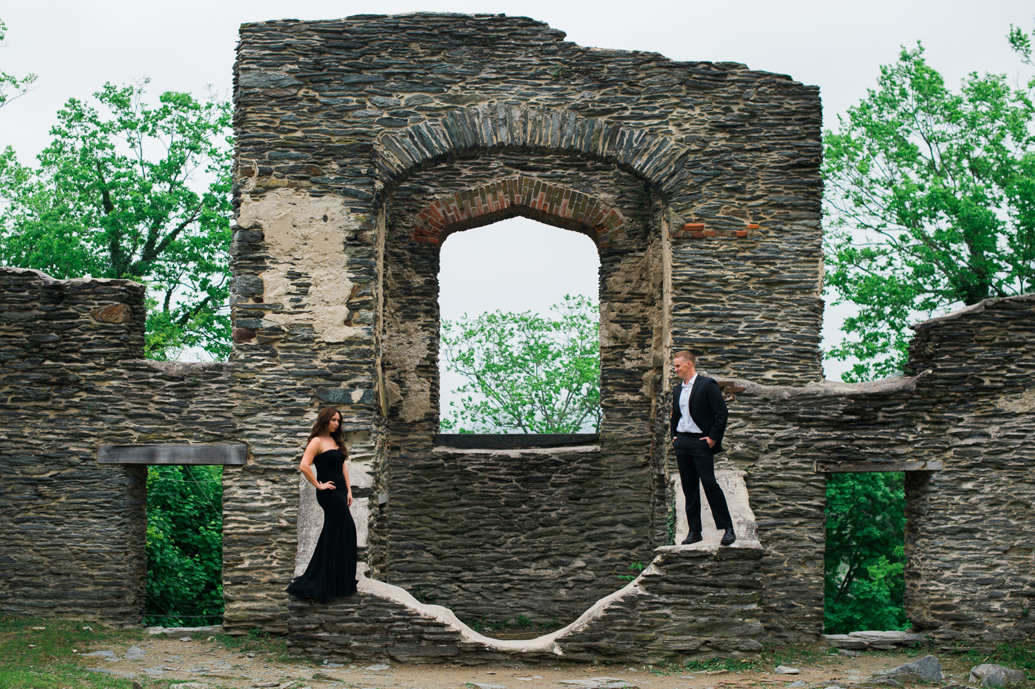 callie-and-chris-harpers-ferry-church-ruins-engagement-8.jpg