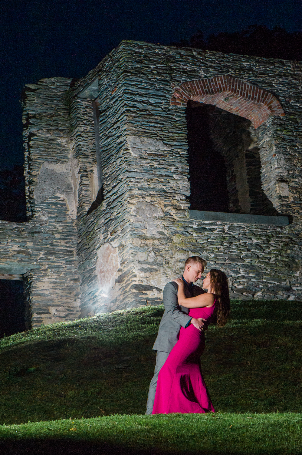 callie-and-chris-harpers-ferry-church-ruins-engagement-22.jpg