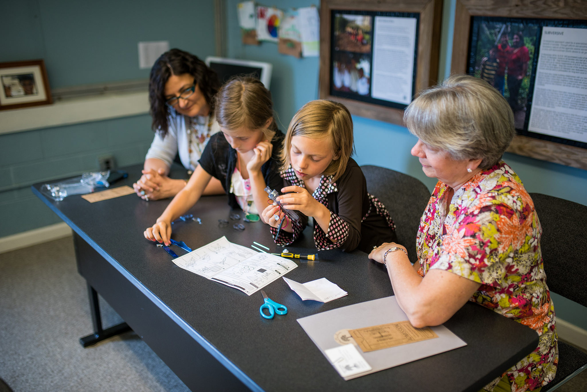 "Grandparents enjoyed classes like ""How Stuff Works,"" a class that allows students to explore the concepts of engineering and technology according to their own curiosity."