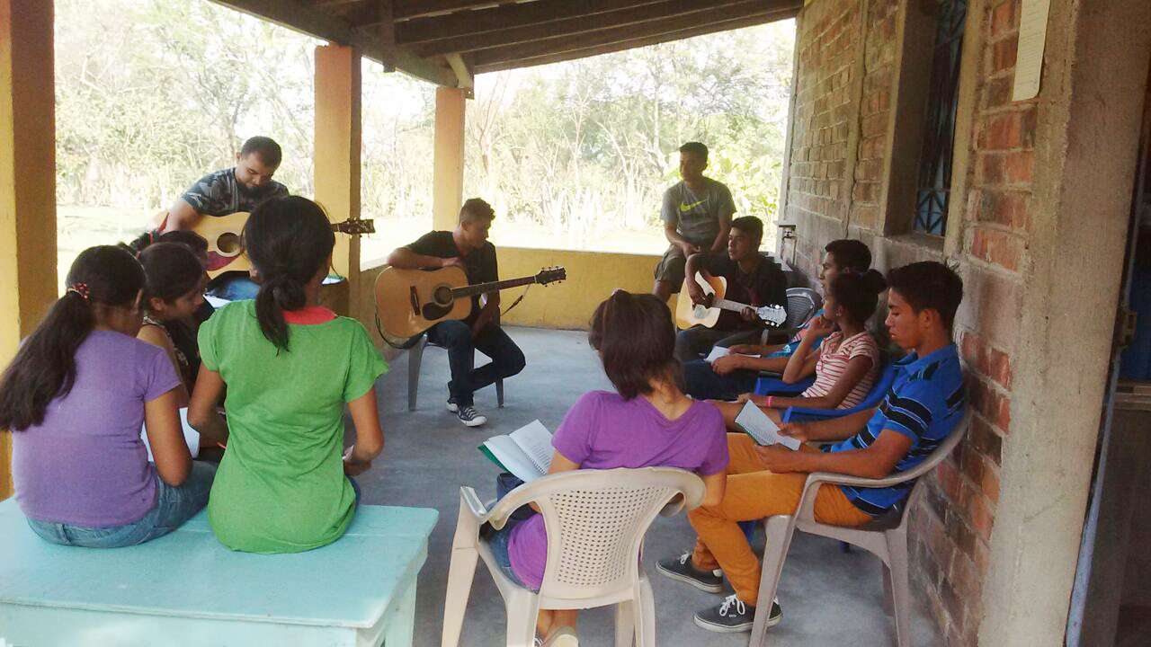 Our property in El Salvador is frequented by youth who have found a refuge with our representatives. From bible studies and worship times, to health seminars and soccer games, there is something truly wonderful happening.