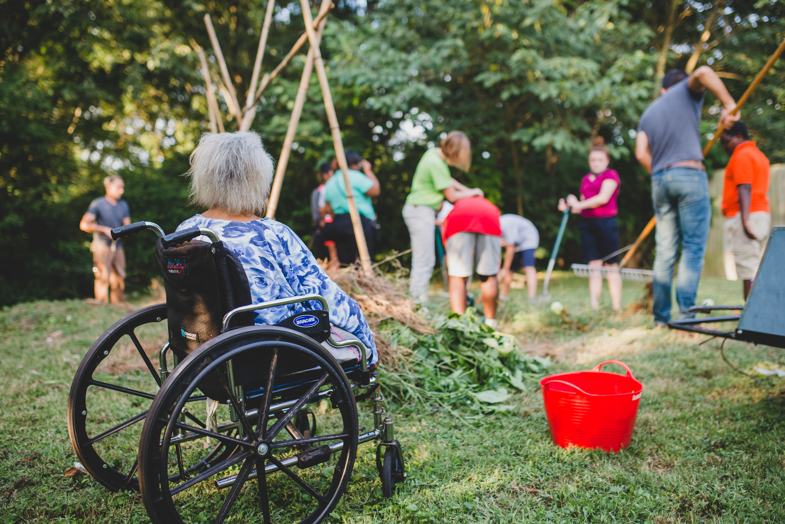 At our C.A.S.E. after school program,students put both character and skills into action to serve an elderly widow in their own Hopewell neighborhood. Students planted and cultivated a garden for Ms. Palmer, who has lived in the neighborhood her since childhood.