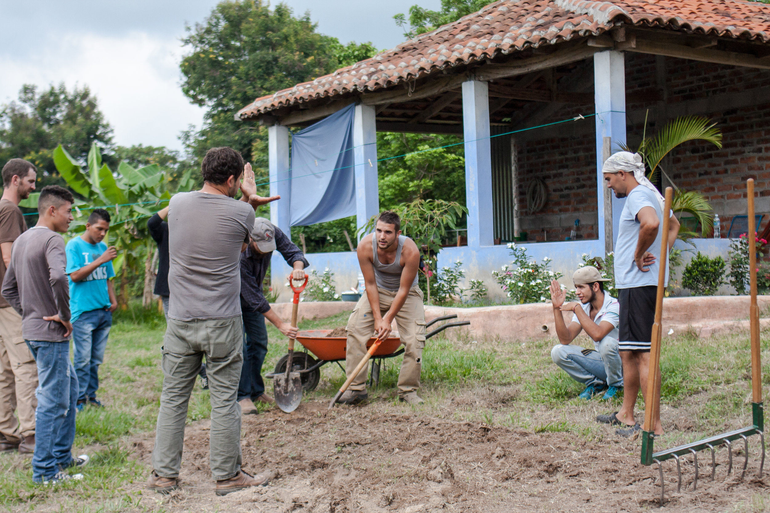 Members of G.O.D. Int'l, students from the Institute, and Salvadoran cooperatives and interns all work together to create the most productive garden we can on our El Salvador campus.