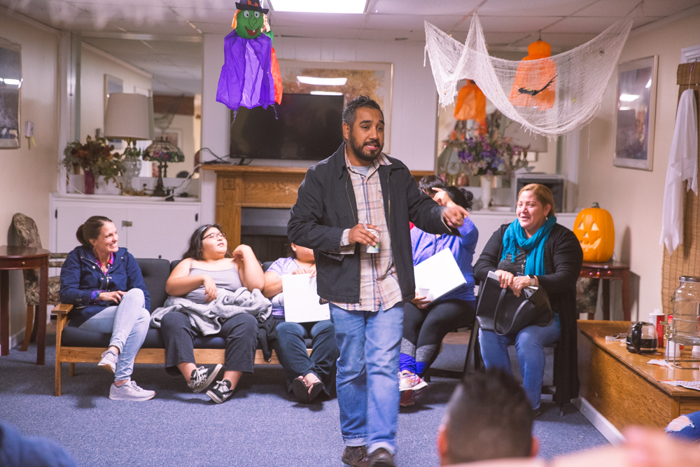 Rafael Reyes, our program manager, welcomed participants in Spanish and shared of his own English learning journey putting the room at ease.