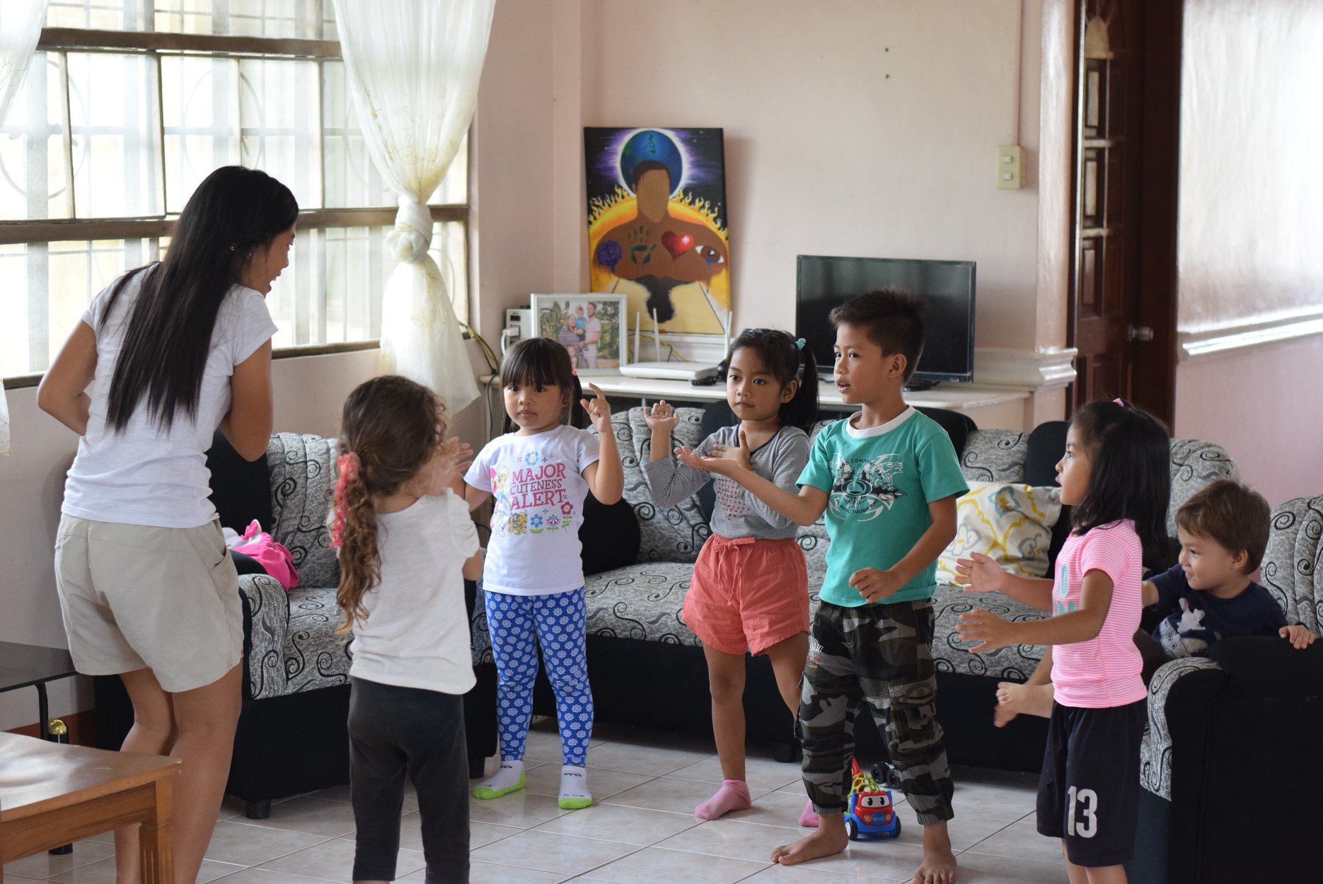 Irish Dagami spends two hours every Sunday with Tahanan Kidz dancing, singing, and making the most of their time together!