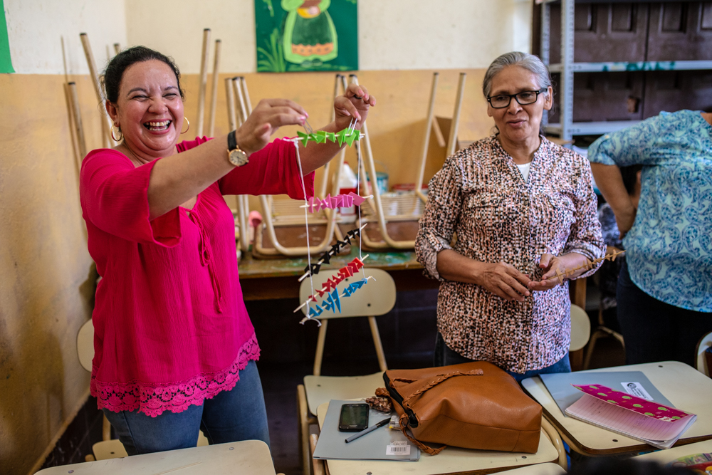 Simple, hands-on projects can revolutionize an otherwise boring lecture. In this workshop, teachers  were given minimal, common materials, and were challenged to turn them into a teaching tool for the classroom!