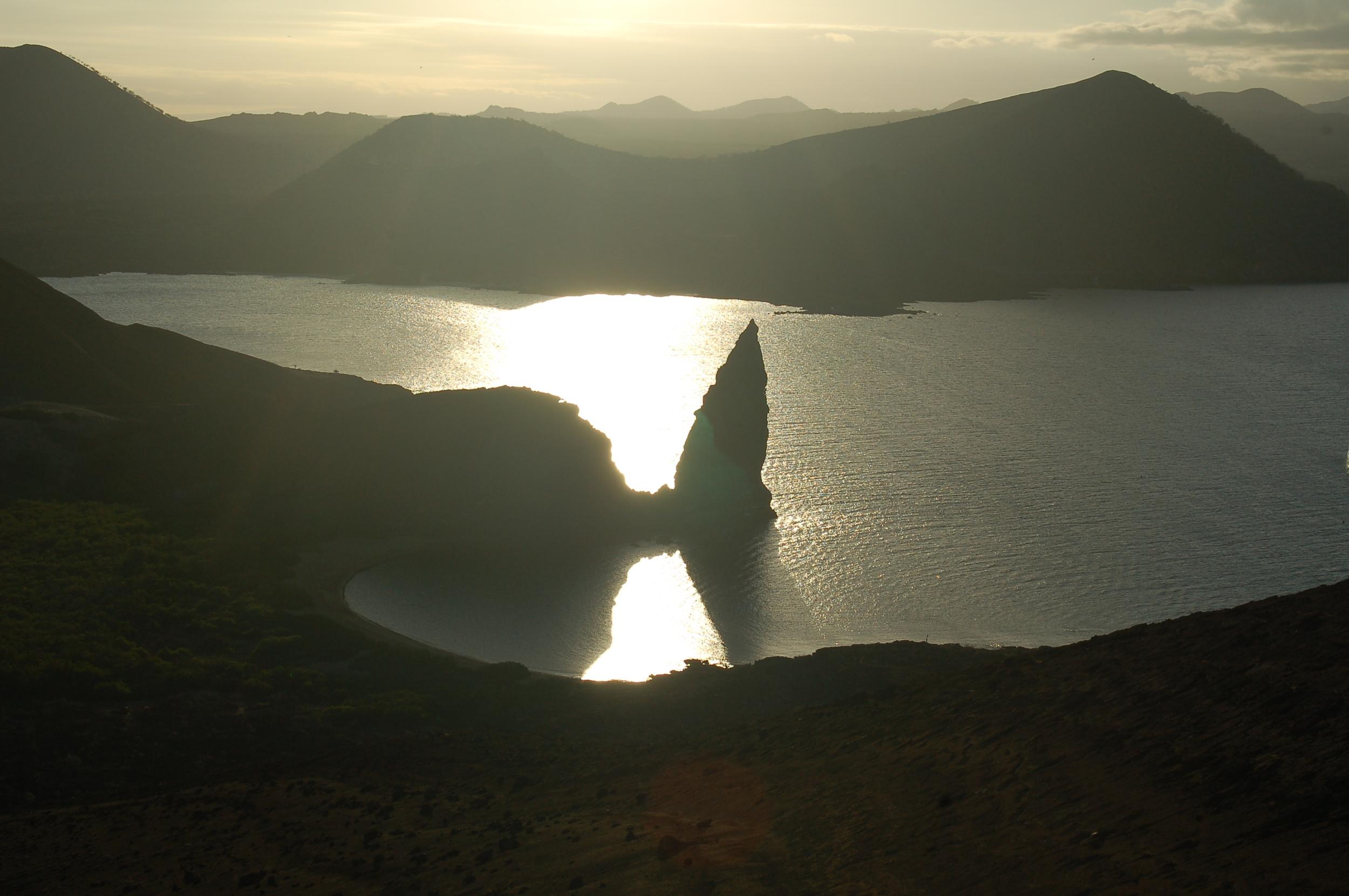 Galapagoslagoon.JPG