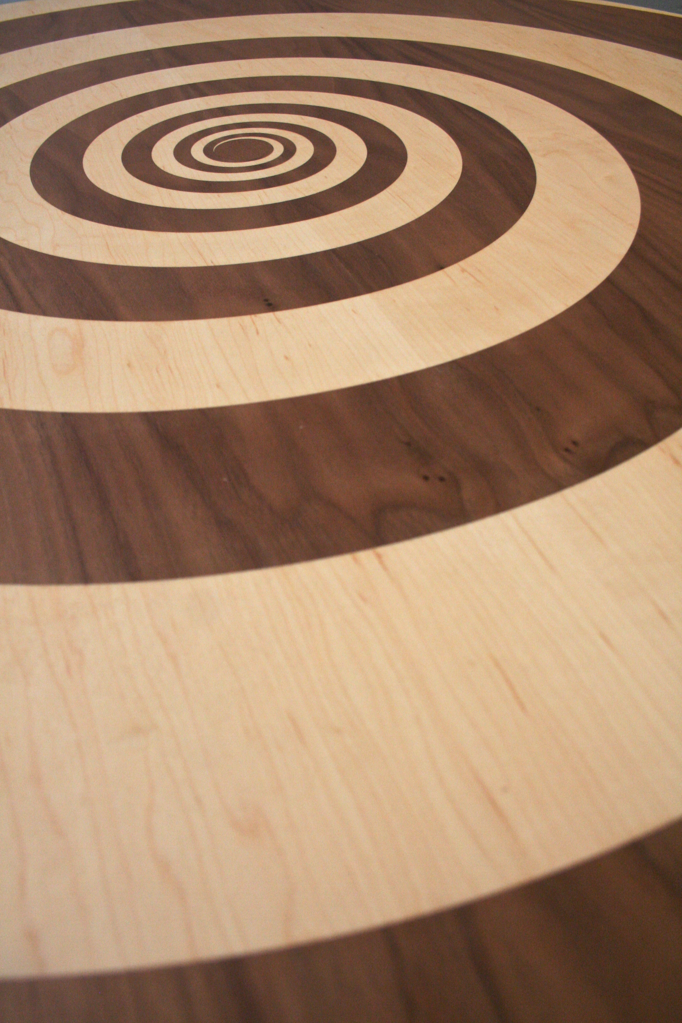 Whirlpool Table - Detail