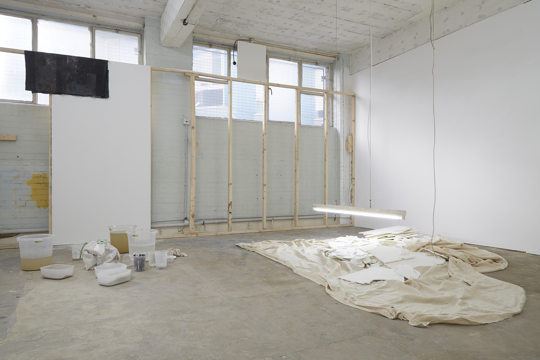 Everything can be broken, 2017 (installation view)