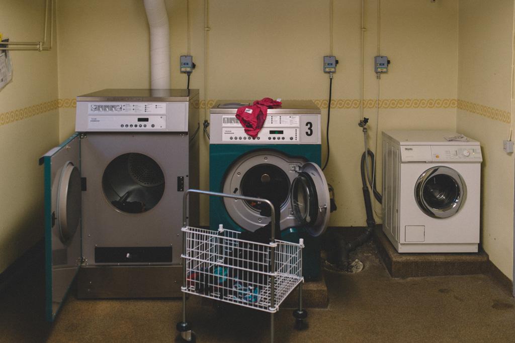 Hängt i en tvättstuga,