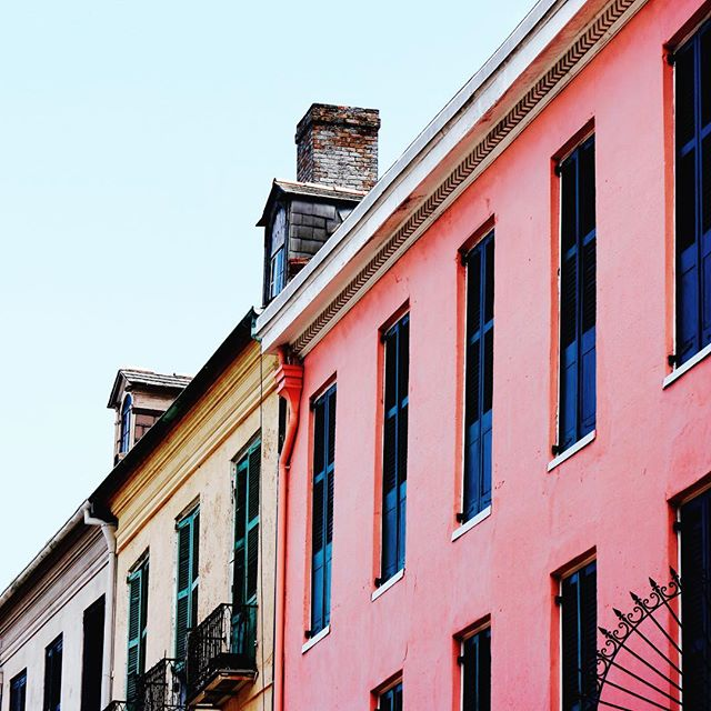 The colors of this city! _ _ _ _ _ _ _ _ _ _ _ _ _ #instatravel #trip #beautiful #travelgram #instapassport #instago #flashesofdelight #mytinyatlas #unlimitedparadise #dametraveler #tourist #outdoors #explore #life #vacation #instagood #igtravel #holiday #vacationwolf #passionpassport #mobilephotography #shotoniphone #neverstopexploring #liveauthentic #hsdailyfeature #lifeofadventure #pro_ig #watchthisinstagood #travel #explore #bestplacestogo