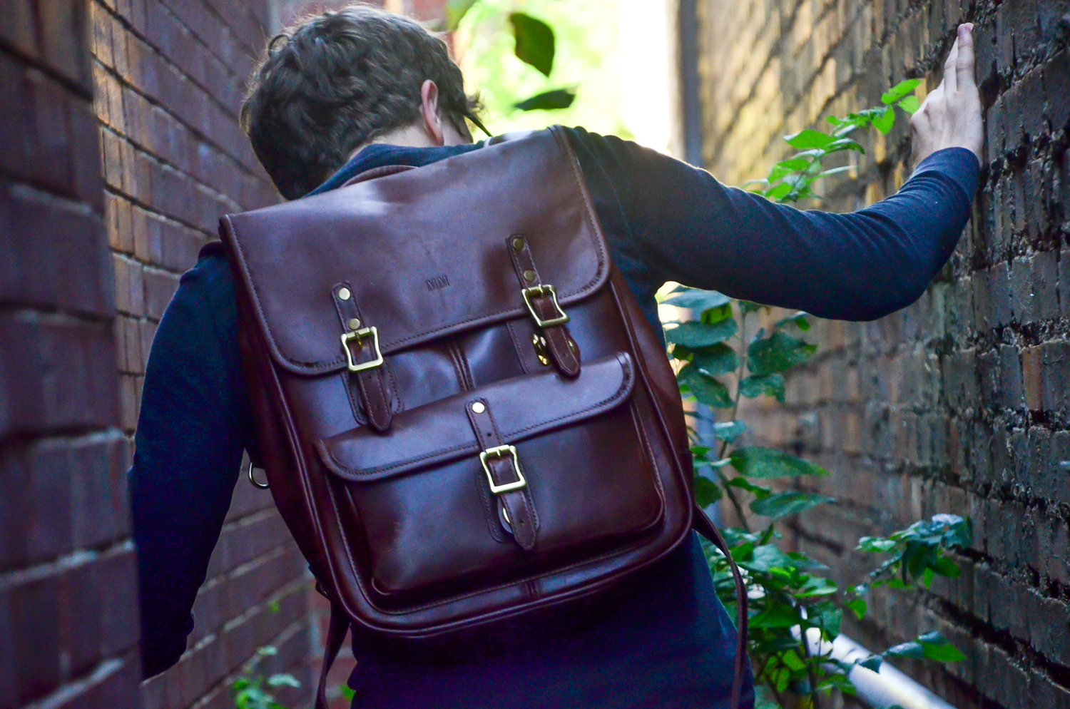 Foraging through the urban jungle with JW Hulme leather bag on my back