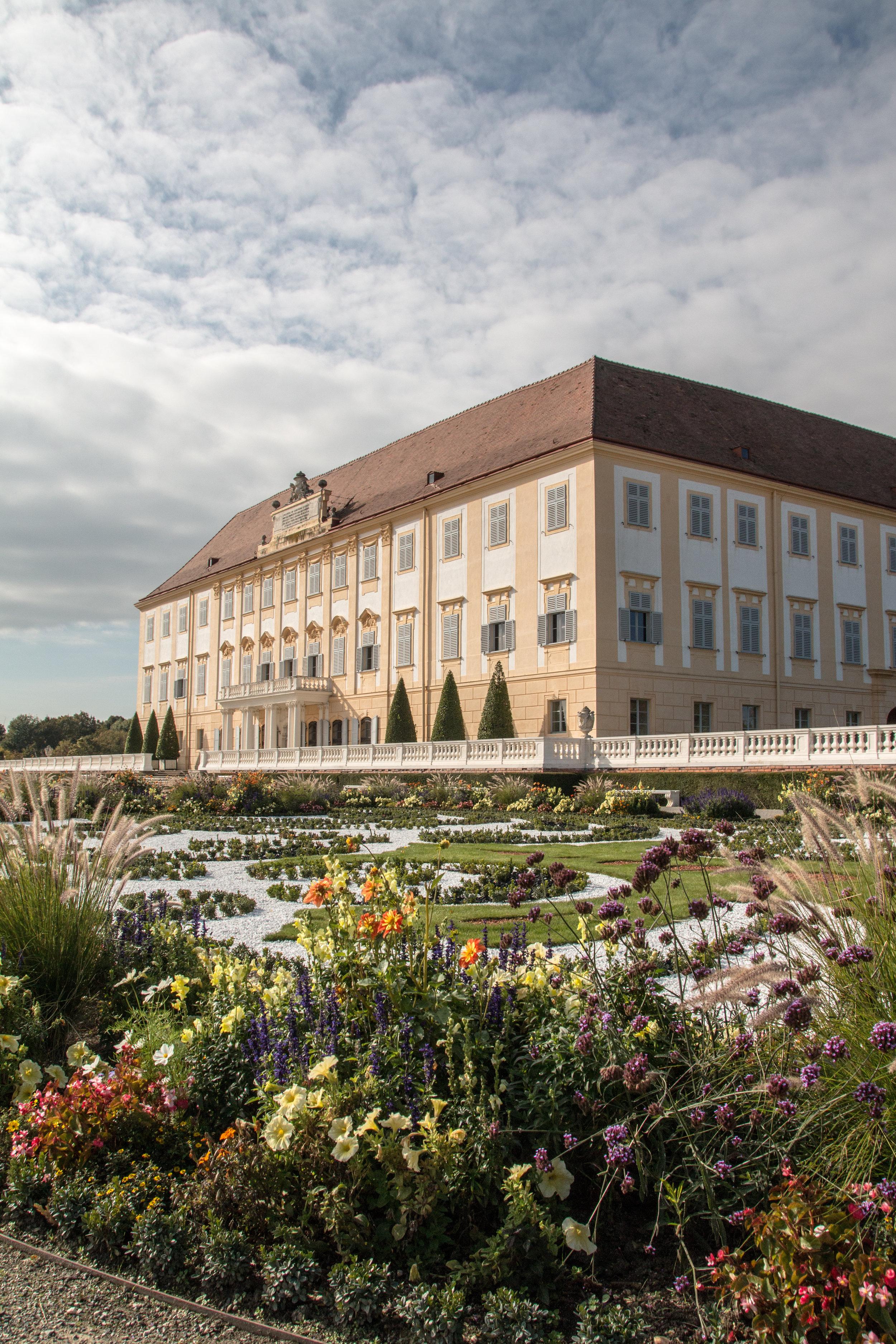Schloss Hof   EOS 70D - F/8 - 1/250 Sek - ISO 200 - 18mm