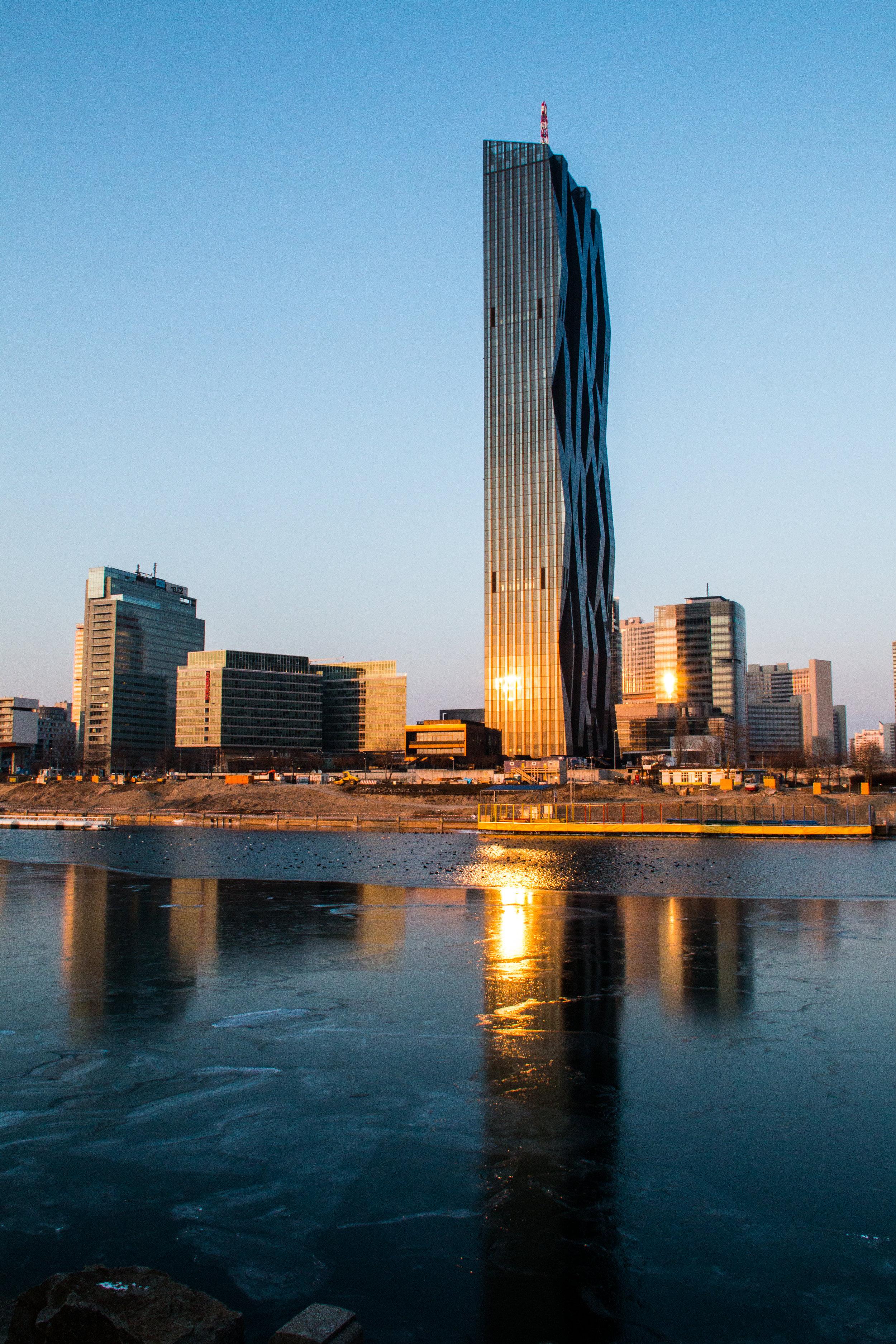 1220 Wien - Donau City   EOS 70D - F/13 - 1/250 Sek - ISO 640 - 18mm