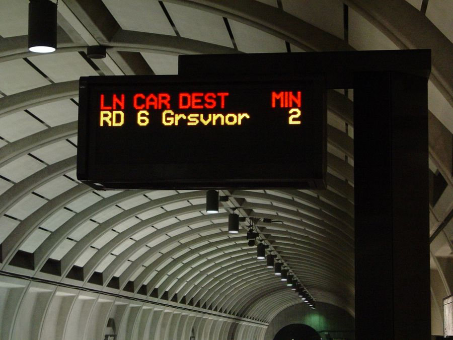 Grosvenor Metro sign; photo 2006 by Ben Schumin (Creative Commons)