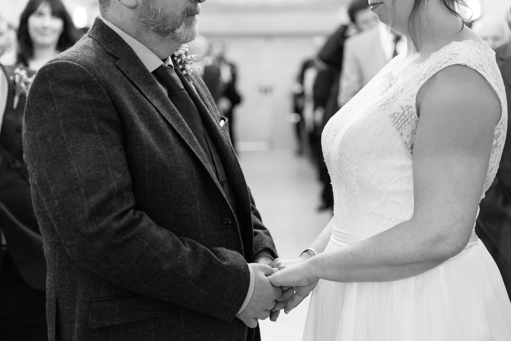 Richmond and Surrey Wedding Photographer_Oaks Farm Wedding