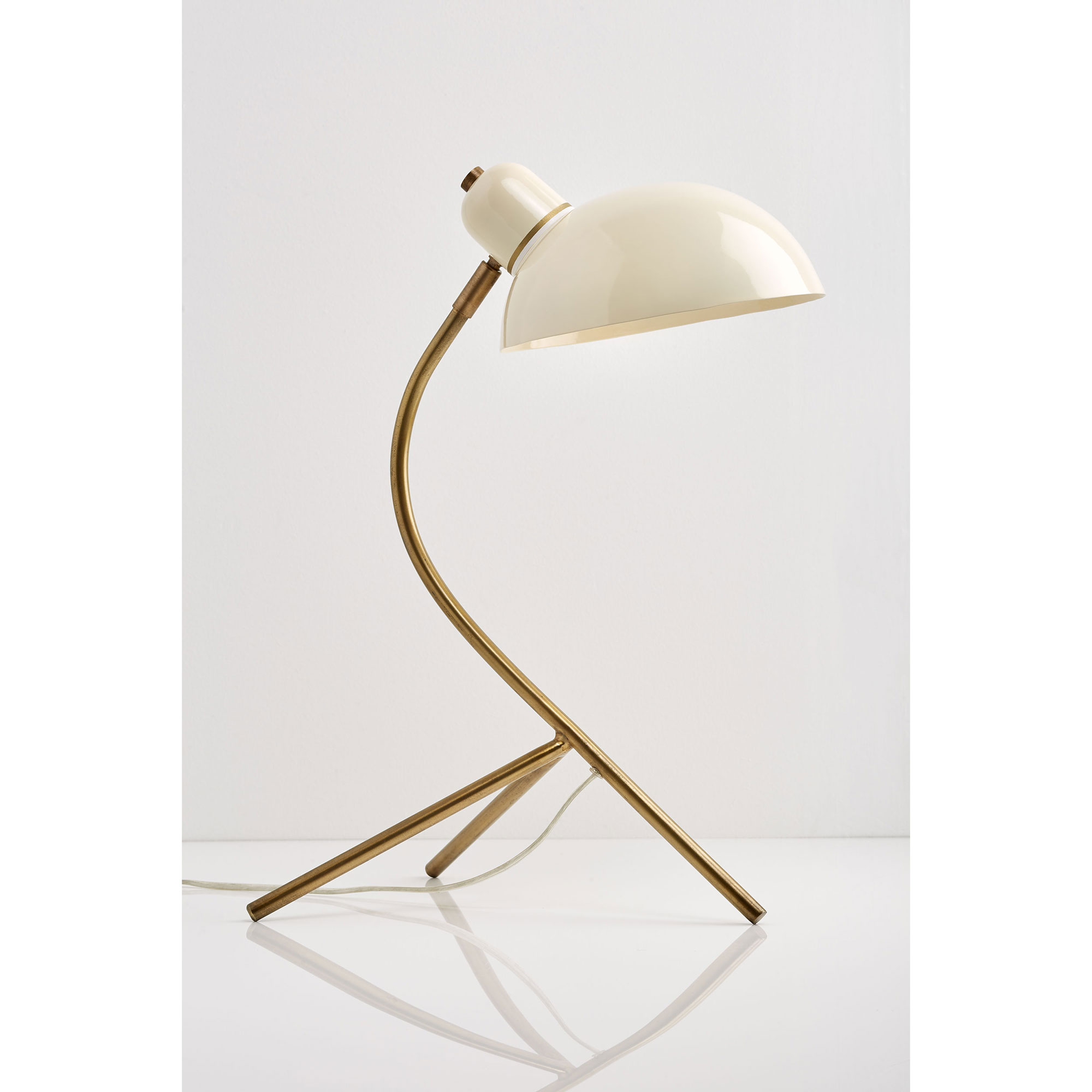 Le_Sunday_TRIPOD_LAMP_GOLD.jpg