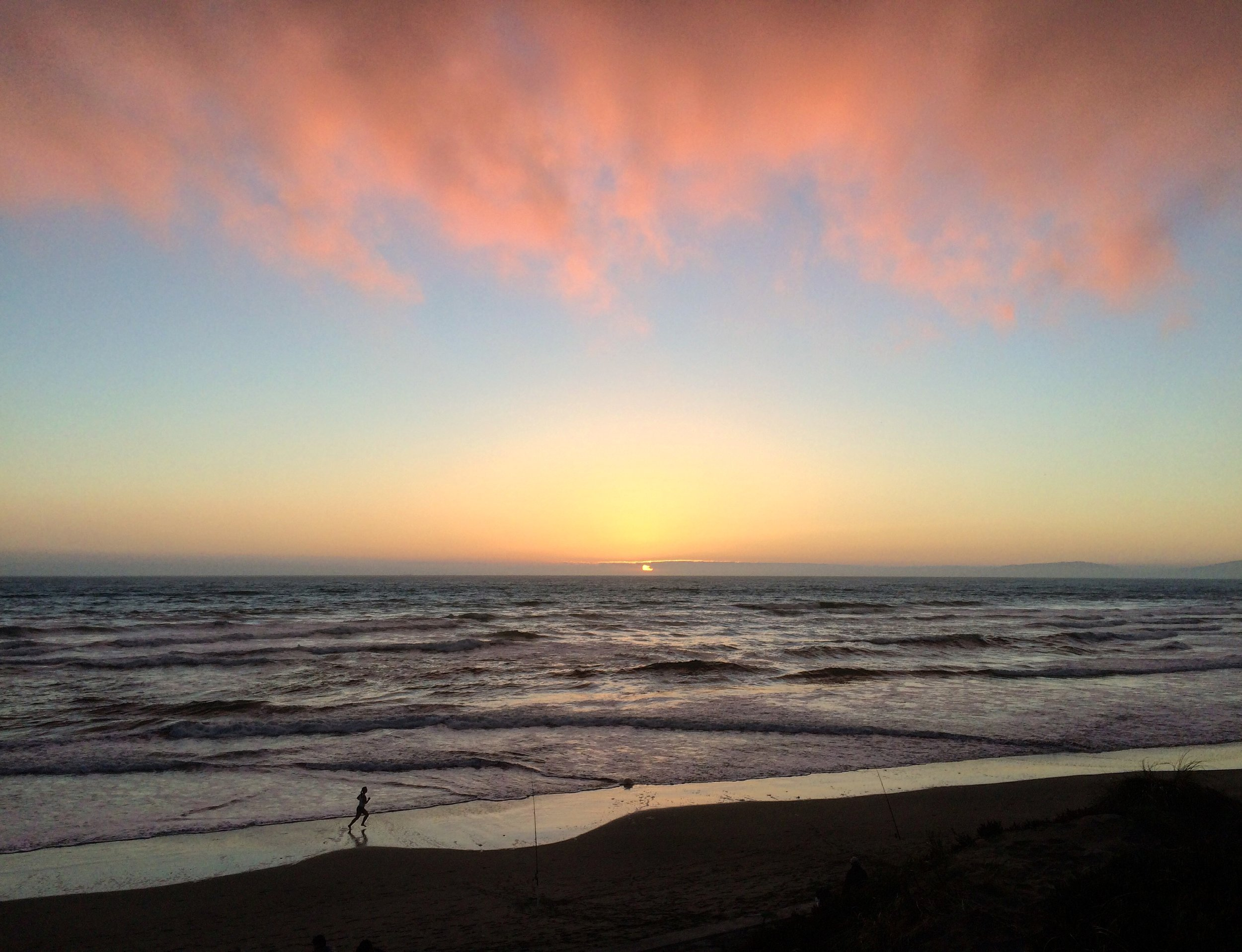 The SF studio is a stone's throw from Ocean Beach! Enjoy a stroll on the beach before or after your lesson in SF.