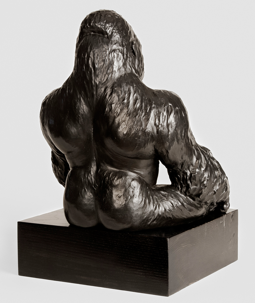 vicky-white-gorilla-sculpture-3.jpg