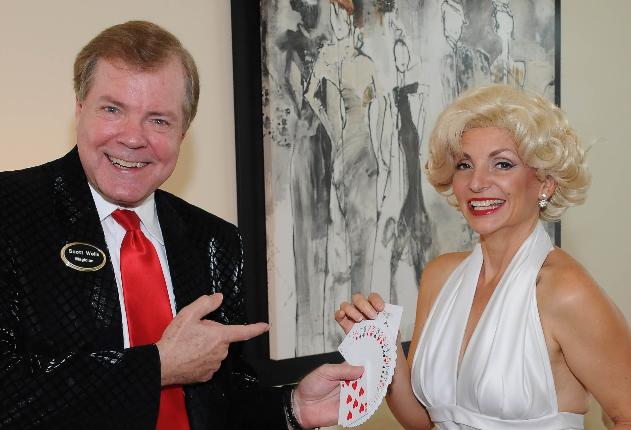 I performed a strolling show on Thursday that had a gambling theme. They also had food, drink, music, and...oh yeah, Marilyn Monroe.